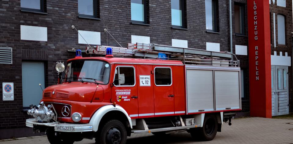 Feuerwehrfahrzeug LF16TS Feuerwehr Moers